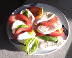 Tomato and mozzarella - Best Snack Foods for Baby Boomers babyboomster.com