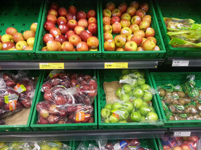 Fresh and Easy Apple Shelf #freshandeasy #sponsored