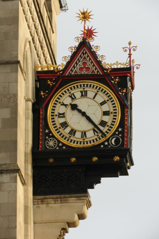Baby Boomer Travel | London, England | Clock
