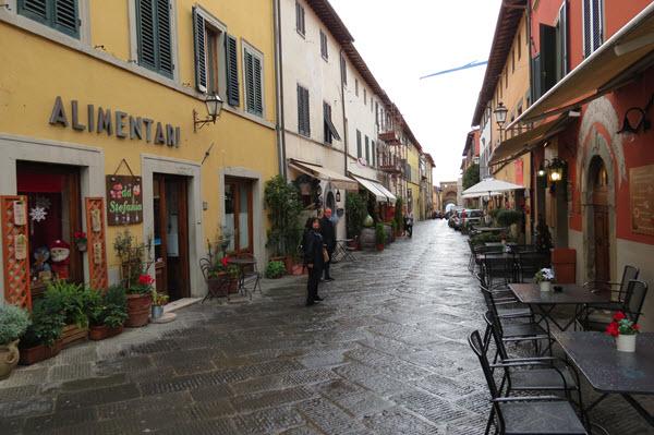 Boomer Travel | Italy | Montecarlo di Lucca