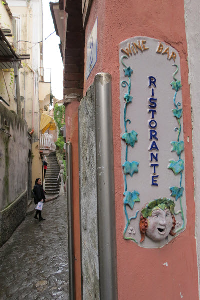 Boomer Travel | Italy | Street in Positano