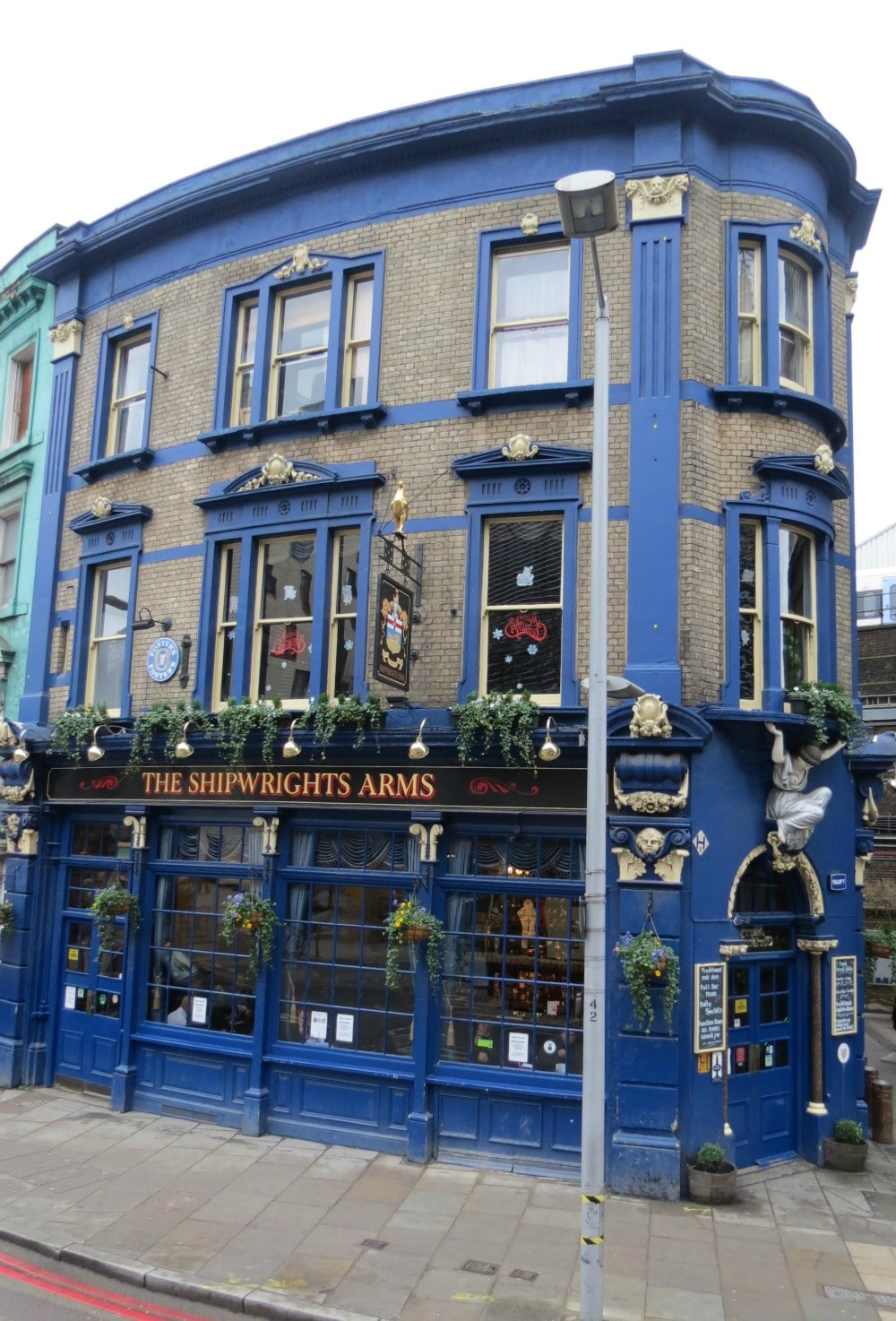 Baby Boomer Travel | England | The Shipwright's Arms Pub
