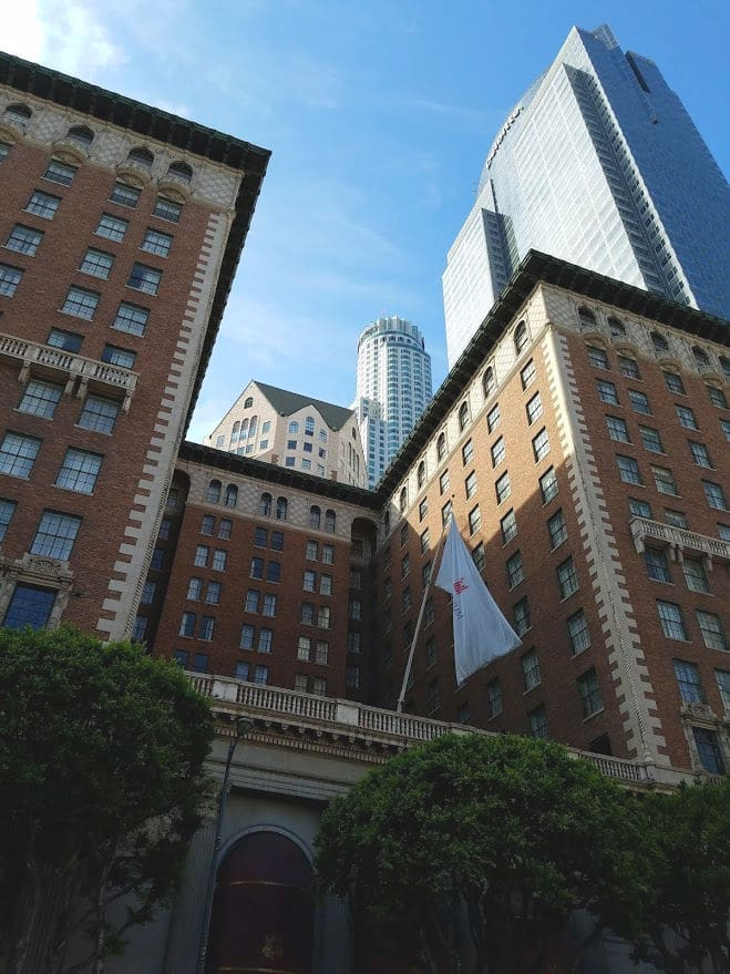 The historic Millennium Biltmore Hotel and modern skyscrapers in Downtown Los Angeles #historicbuilding #historichotel #losangeles #downtownlosangeles #DTLA