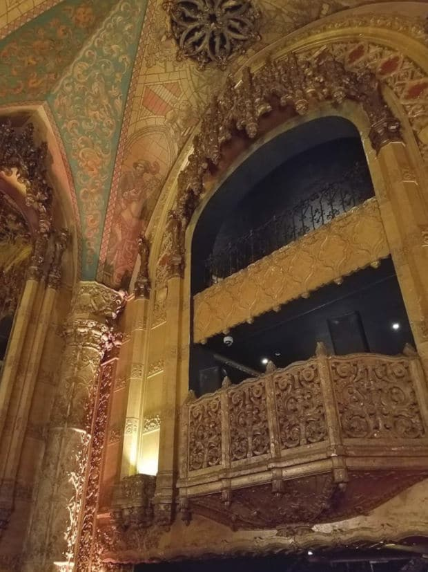 The interior of the United Artist's Theatre in the downtown Los Angeles old theater district. Built in 1927 - The United Artists Building was built in 1927 and contains the United Artist's Theatre. The building was converted into the Ace Hotel which opened in 2014 #oldtheater #oldmovietheater #losangeles #LAtheaterdistrict