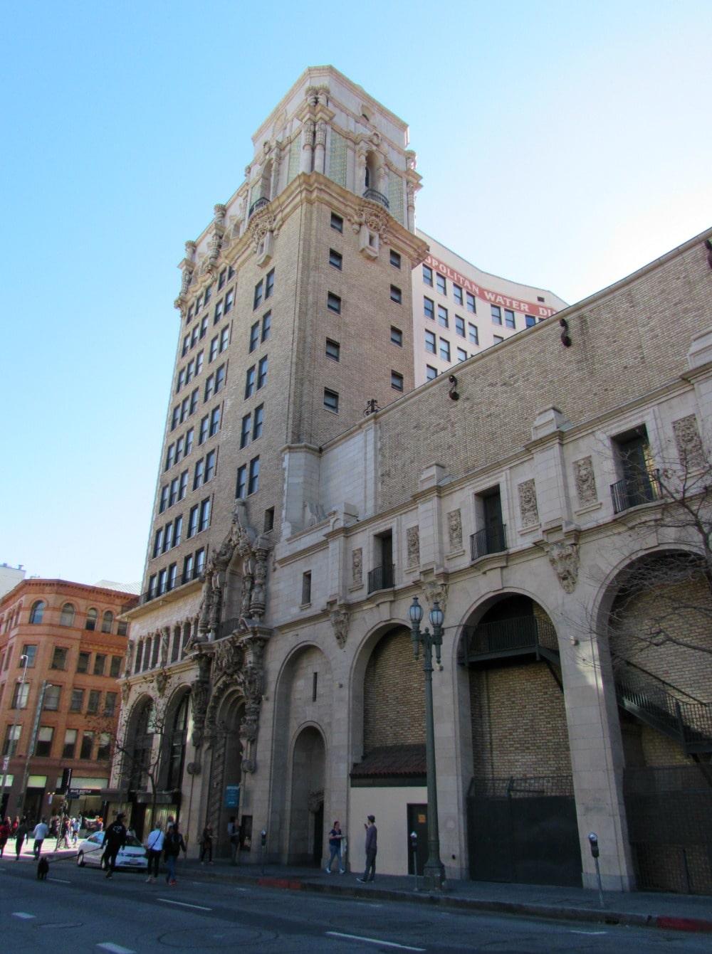 Boomer Travel   Los Angeles Iconic Buildings   Metropolitan Water