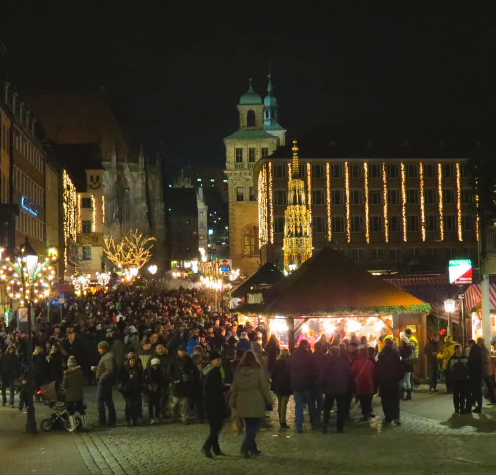 Huge crowds gather at the Nurnberg Christmas Market in #Germany to celebrate the #holidays #Nuremberg