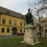 Boomer Travel | Budapest | Statue - Xlince Papa - Old Buda