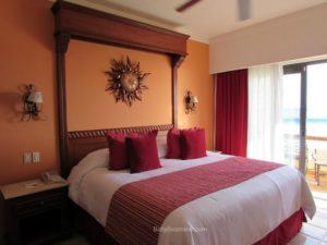 Baby Boomer Travel | Mexico |Playa Grande Room - Cabo San Lucas
