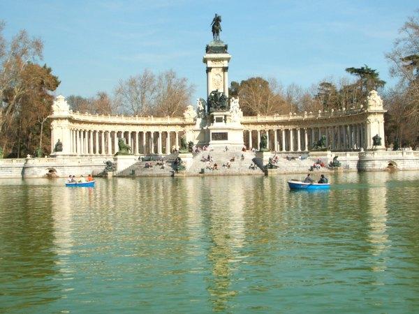 Baby Boomer Travel | Spain | Madrid - El Retiro Park Lake