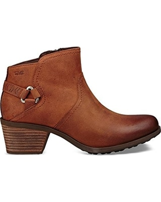 These Teva Foxy Waterproof booties are made with buffed leather and perfect if you have to walk through a puddle #shoes #comfortableshoes #booties #fashionover50 #styleover50
