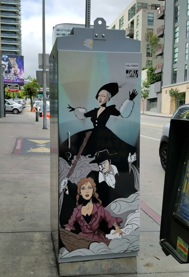 Baby Boomer Travel | Street Art | Los Angeles - Hollywood sign post