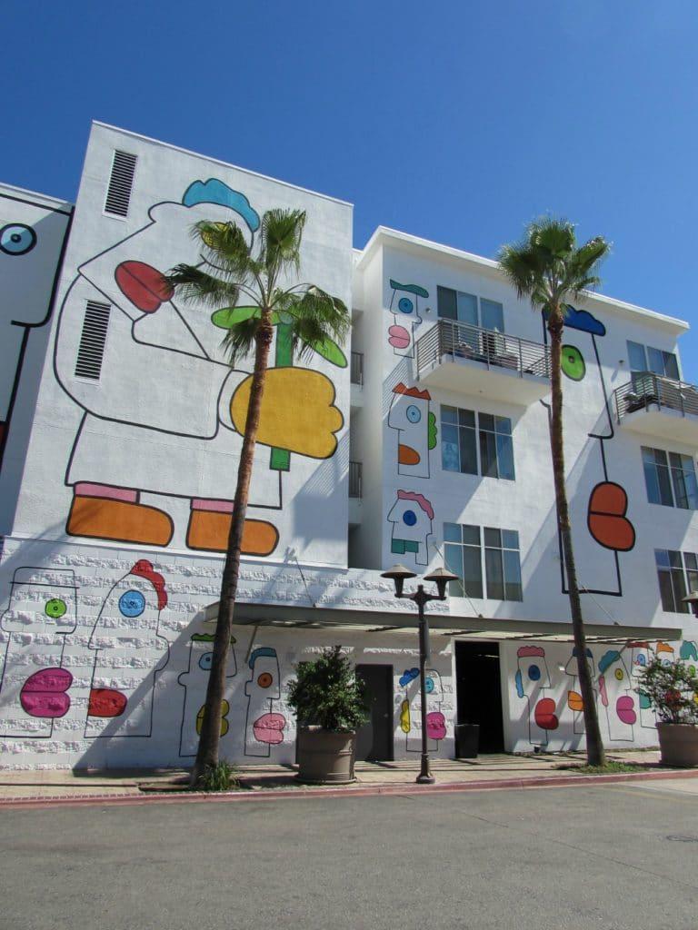 Baby Boomer Travel | Street Art | NOHO | Apartment Complex