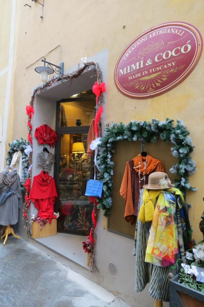 Baby Boomer Women | Fashion over 50 | Clothing store Montepulciano, Italy