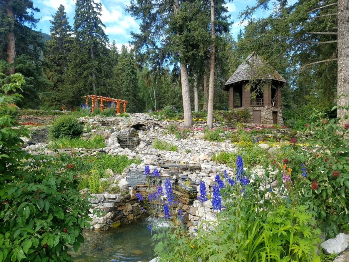 Take a walk through the Cascade Garden of Time in #Banff #Canada next to the National Park Administration Office